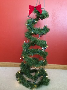 The finished tomato cage Christmas tree